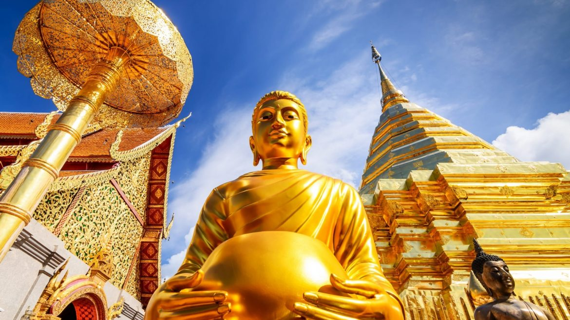 Chiang Mai Wat phra That Doi Suthep buhda golden, included in tours offered by Asia Vacation Group