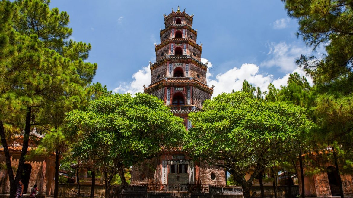 16 Day Vietnam Tour with Flights featured image